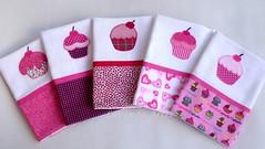 Cupcake (Lavanda Artes) Tags: rosa cupcake cozinha diadasmes aplicao chdecozinha enxoval patchcolagem chdecasanova apliqu patchaplique copaecozinha forrofogo