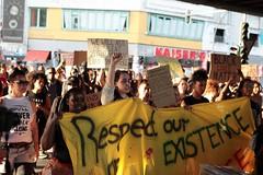 Black Lives Matter- Demo in Berlin, Juli 2016 (bsdphoto) Tags: demonstration protest demo berlin politik blacklivesmatter rassismus solidaritt schwarze blackcommunity peopleofcolor farbige kottbussertor kotti kreuzberg erhobenefaust kmpferisch deutschland deu