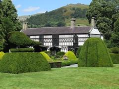 3211 Plas Newydd, Llangollen (Andy panomaniacanonymous) Tags: 20160806 bbb building cymru garden ggg hhh house llangollen plasnewydd ppp topiary ttt wales
