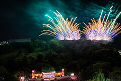 Virgin Money Fireworks-39 (Philip Gillespie) Tags: fireworks edinburgh scotland virgin money festival fringe castle canon spectacular explotions fiew fire sequent photography outdoor city monument 2016