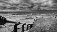 Another windy day at the beach (loongandrew) Tags: toronto ontario beaches waves rcharris windy huawei nexus6p cellphone mobile monochrome blackandwhite lakeontario