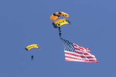 Leap Frogs & Golden Knights (Trent Bell) Tags: aircraft mcas miramar airshow california socal 2016 skydivers leapfrogs navy parachutedemoteam goldenknights army