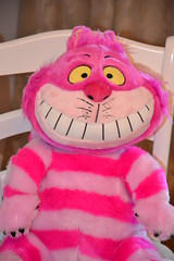 Plush Cheshire Cat (Girly Toys) Tags: alice wonderland aux pays des merveilles disney cheshire cat white rabbit bunny lapin blanc chapelier fou mad hatter queen hearts la reine de coeur collection plush le lièvre mars missliliedolly miss lilie dolly aurelmistinguette girly toys collectible girlytoys