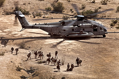 Movin' Out (United States Marine Corps Official Page) Tags: california arizona unitedstatesofamerica marines superstallion ch53e wti chocolatemountain mawts1 weaponsandtacticsinstructorcourse