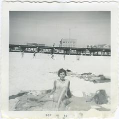 joffsuu_nassau_20130407_014_cr (CARE for Sandy) Tags: beach date summer one alone word codem
