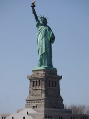 P1040318 (mindlesscrapphotos) Tags: nyc newyorkcity newyork skyline liberty neon manhattan longisland brooklynbridge manhattanbridge newyorkskyline hudsonriver statueofliberty freedomtower circlelinecruise oneworldtradecenter