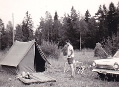 Camp Sweden 60s (annkarlstedt) Tags: old camping summer camp white black car kids vintage suomi finland children photo kid 60s foto fifties child sweden swedish tent 1950s scanned bil 50s sverige 1960s 50 seventies 60 1950 tal svensk sommar 1960 fotografi gammalt svartvitt tlt skannat