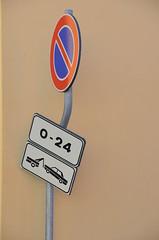 Strazionismo (fedepat) Tags: onlyone astratto cartello divieto fontanelice