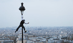 Street Performer with a View (Arnoffoto) Tags: city travel paris france europe view montmartre sacrecoeur lamppost hanging streetperformer