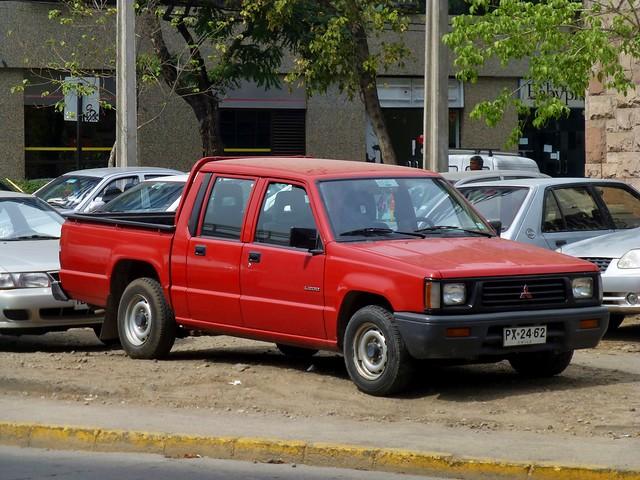 chile santiago cars autos mitsubishi pickuptrucks camioneta providencia carspotting mitsubishil200