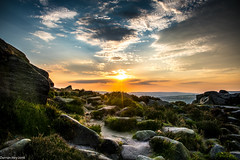 Last Rays Of Light! (dazzbo1) Tags: sunrays rays light glow landscape ilkley yorkshire uk england valley view moor moorland serene evening beautiful colour rocks sun sunlight cloud formation clouds ray warm plants
