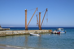 IMG_0260 (john blopus) Tags: naxos   hellas greece  island cyclades  beach  sea   water crane