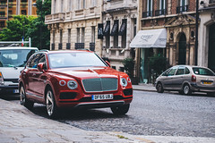 Bentley Bentayga in Paris (clmtz_) Tags: cars bentley autogespot spotters automotive red carspotting city paris street streetphotography justgotshot snapshot spotting