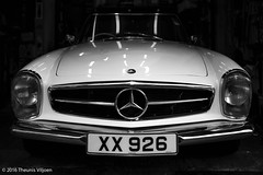 Mercedes 230SL (Theunis Viljoen LRPS) Tags: hongkong kennedytown mercedes230sl pagoda xx926