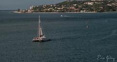Jamaica - catamaran (Enio Godoy - www.picturecumlux.com.br) Tags: nikon sunset paissagem nikond300s harbor kingston landscap sea catamaran viveza2 porto niksoftware entardecer pordosol jamaica montegobay vesper
