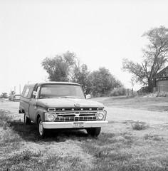 (Matt Allouf) Tags: rolleicord tlr twin lens reflex 120 arista ultra 100 black white medium format 6x6 epsonv500 south dakota rural america