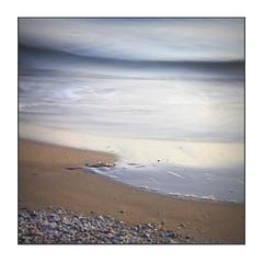 Tranquille passeggiate... (Vicensalamas) Tags: mar color canon largaexposicin atardeceres sea sand sunset blue goodweather sumer