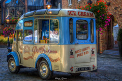 Ice Cream (graser.robert) Tags: hdr high dynamic range photomatix icecream car auto wagen verkauf outdoor stkatharinesdock blue white blau weis robert graser photo artist great britain london docks