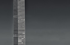 432 Park Avenue . (Rino Alessandrini) Tags: grattacielo urbano geometria architettura forme ripetizione finestre rettangolo quadrato citt piani edificio abitazione skyscraper urban architecture geometry repetition forms windows rectangle shapes square town house building plans