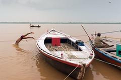 Ganges - Varanasi (dsaravanane) Tags: saravanan dhandapani dsaravanane yesdee yesdeephotography yesdee saravanandhandapani streetphotography life streetlife varanasi up india ganges lifeinganges riverganga varanasi2016 floodinganges monsoonvaranasi nikon d800 nikond800 35mm sigma sigma35mm varanasiboat