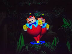 How Do Ya Do And Shake Hands (Matt Valeriote) Tags: disneyland disney darkride californiaadventure aliceinwonderland fantasyland tweedledee tweedledum animation