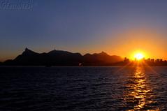 4 Sunset, metropolitano... (GFerreiraJr ) Tags: sunset pordosol brazil brasil nikon rj niteri nationalgeographic praiavermelha d90 niterirj micmarayyo nikond90 flickraward nikonflickraward panoramafotogrfico touraroundtheworld flickrunitedaward brasilemimagens gferreirajr