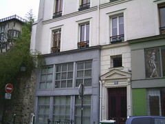 18 rue Gabrielle, Montmartre, Paris, 23 April 2013 (allhails) Tags: paris france montmartre ruegabrielle 23apr13