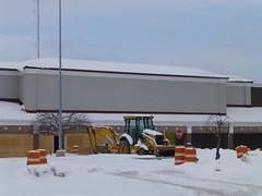 Former Tops in Solon, Ohio (Nicholas Eckhart) Tags: road ohio retail earth aurora former stores stein tops fare 2012 mart solon finast