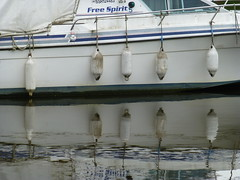 Free Spirit (Gilder Kate) Tags: reflections boat buoys freespirit buoyant richmonduponthamesrichmondsurreysummerriverthamestowpath