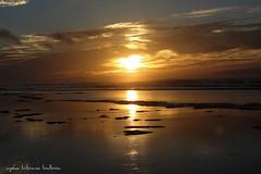 Momentos; Sahara (Aysha Bibiana Balboa) Tags: sahara viajes atardeceres marruecos olas vacaciones dunas orilla fotografa desiertos canon650d naturalezapaisajes fuegoyaire ayshabibianabalboa orillarocaorillalavaespumamarbrava