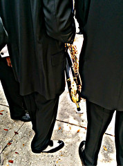 SECOND LINE PIES (Ruben Esparza Bayona) Tags: music band banda musica zapatos shoes traje suit secondline jazz neworleans