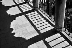 'The Shadows Of Alczar' (EZTD) Tags: eztd eztdphotography eztdphotos photos fotos nikond90 august2016 sevilla seville spain spana espana espagne spanien sevilha realesalczaresdesevilla realalczardesevilla real alczar alczarofseville 2016 travel verano sommer ete shadows shade silhouette