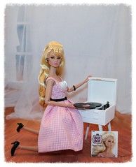 La Petite Fleur Poppy Parker & her record player (JennFL2) Tags: la petite fleur poppy parker miniature record player
