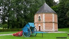Le Colombier et la charrette fleurie  , (Barnie76@ ,) Tags: charrette colombier pavilly seinemaritime normandie briques panasonicdmcgx80