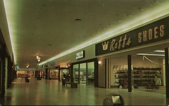 Valley North Shopping Center, Wenatchee, Washington (SwellMap) Tags: postcard vintage retro pc chrome 50s 60s sixties fifties roadside midcentury populuxe atomicage nostalgia americana advertising coldwar suburbia consumer babyboomer kitsch spaceage design style googie architecture shop shopping mall plaza