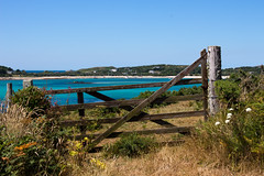 IMG_4559_edited-1 (Lofty1965) Tags: islesofscilly ios tresco gate