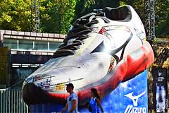 Talla 527 (Franco DAlbao) Tags: francodalbao dalbao fuji zapatilla deporte sport trainer tamao size goliath anuncio adverstiment gigante giant calzado footwear correr running