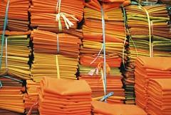 Monk Tissues (Gonzalo Campos Garrido) Tags: cambodia camboye camboya travel viaje 35mm film vida vderano pse ong phnom penh monk orange budda tela tissue pattern fujifilm superia iso200 superia200