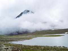 Wolkig (~janne) Tags: berge europa gewsser himmel kamera see umwelt wasser clouds em1 environment europe lappland omd schweden sea sky water wolken norrbottensln se