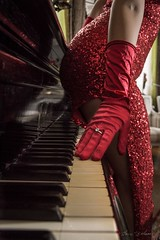 Glamour (Modle Lady) Tags: glamour paillettes sexy piano femmefatale roberouge theladyinred rtro