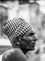 Varanasi, India (Aicbon) Tags: verde varanasi benares india monsoon people hombre persona summer monzon monochrome bw blancoynegro retrato portait cara mirada face