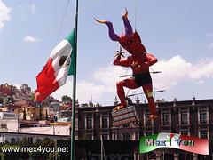 Tradicional Quema de Judas 2013 (07-11) (jarsphe) Tags: santa mexicana easter gloria holy mexicanos week sabado judas semana toluca artesanos artesano quema cartoneria