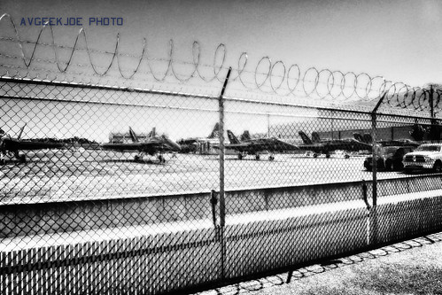 B&W HDR of my last Blue Angels picture...