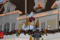 Wandering down Main Street USA (Disney Dan) Tags: travel november winter vacation france halloween restaurant mainstreet europe fastfood disney mainst fr 2012 disneylandparis dlp mainstreetusa disneylandresortparis dlrp disneylandpark marnelavalle mainstusa disneypictures counterservice parcdisneyland disneyparks disneypics caseyscorner quickservice halloweenseason quickservicerestaurant disneylandparispark counterservicerestaurant
