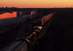 On'n'On (applegathc) Tags: sun toronto ontario canada set pine yard cn train ic illinois pacific sub union rail arkansas salem vaughan freight macmillan bluff halton 399