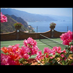 ~tennis anyone?~ (uteart) Tags: ocean birthday mountains coast bougainvillea tennis mismaloya tenniscourt losarcos amapas utehagen uteart olympusomdem5 copyrightutehagen2013allrightsreserved