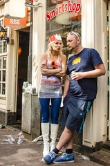 Qday-smart Queen (105mm) Tags: city people amsterdam happy canal pretty candid queen qday kroning koningendag