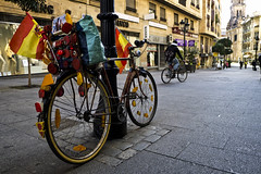 ¡Que viva España! SalaBiKE (Walimai.photo) Tags: street españa colour bike bicycle lumix calle spain flag panasonic explore bandera bici salamanca bibicleta lx5