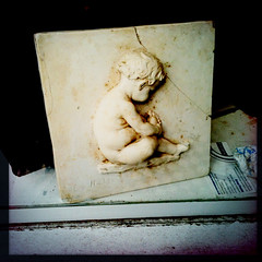 baby (Leo Reynolds) Tags: tile f28 262 3gs iphone iso64 hpexif 0001sec leol30random iphoneography iphone3gs hipstamatic xleol30x grouphipstamatic groupamazingiphone