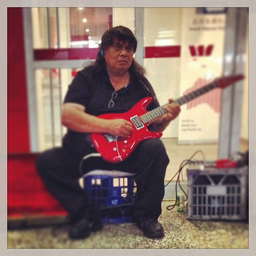 "#street #blues #guitarist • <a style=""font-size:0.8em;"" href=""http://www.flickr.com/photos/35408999@N00/8707477638/"" target=""_blank"">View on Flickr</a>"